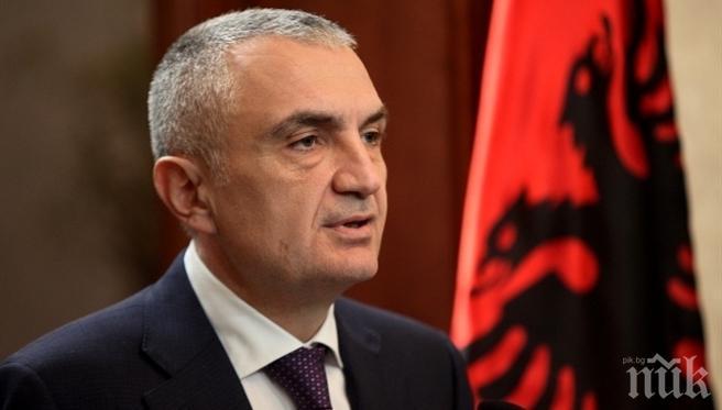Албанските депутати викнаха президента Илир Мета на килимчето