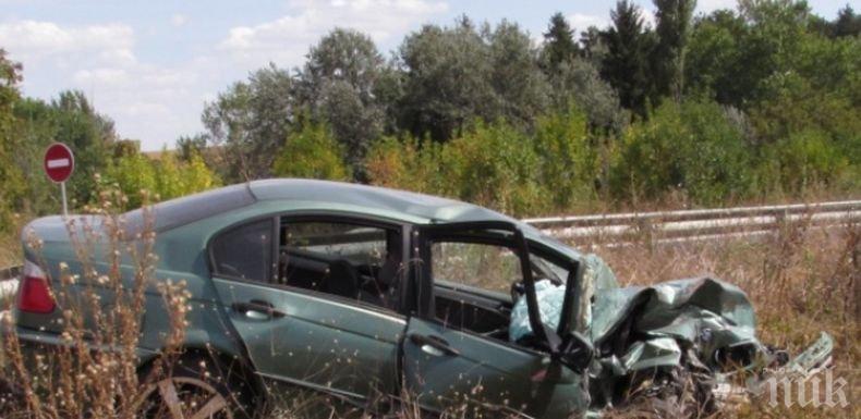 ИЗВЪНРЕДНО: Тежка катастрофа блокира пътя Русе - Варна, има пострадал (СНИМКИ)