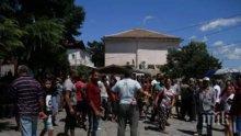 БРУТАЛНО: Роми млатят лекари и медсестри във Велико Търново