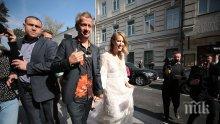 ПОТРЕС! Скандалната Ксения Собчак отиде на сватбата си с... катафалка (СНИМКИ/ВИДЕО)