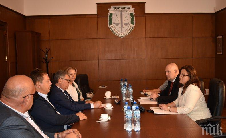 Ръководството на прокуратурата обсъди с Българския лекарски съюз нападенията над медици