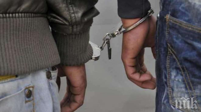Задържаха двама за сбиване и стрелба с газово оръжие