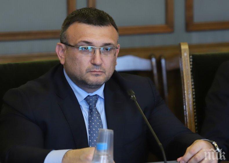 ПЪРВО В ПИК: Вътрешният министър и шефът на ДАНС на крака в парламента за шпионския скандал