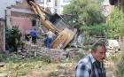 Строителна машина се вряза в сграда във врачанско село