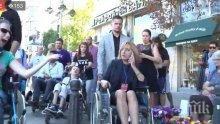ПОЗОР: Мая Манолова се изгаври жестоко с деца с увреждания - ето как си прави пиар с човешката болка (СНИМКИ)