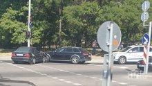 ЗВЕРСКО МЕЛЕ: Три коли се помляха в Бургас