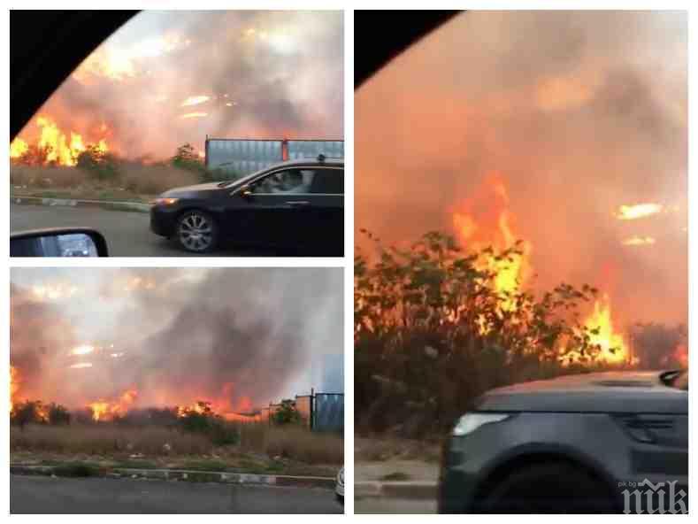 ИЗВЪНРЕДНО В ПИК: Голям пожар до летище София! Огънят пълзи към цистерни с гориво (ОБНОВЕНА/СНИМКИ/ВИДЕО)