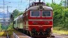 Бързият влак от София за Варна блокиран за 3 часа заради повреда на локомотива
