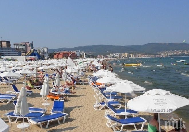 Над 10 000 чужденци са работили на българското море това лято