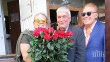 Васко Кеца снима клип в царски вагон