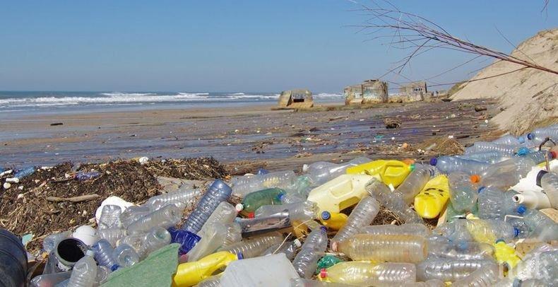 Събират пластмасовите боклуци от океана с нова система