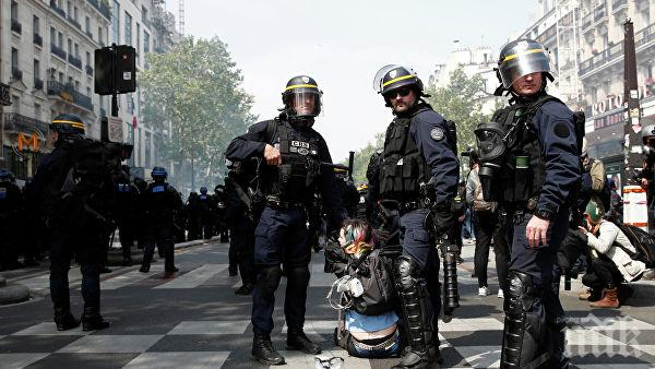 Хиляди гневни полицаи на протестираха в Париж