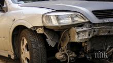Пиян джигит се заби в търговски център в Пловдив, помете 6 паркирани коли