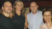 Радев и Деси скитат по нощни кръчми - президентшата шашка столичани с потник и минижуп (СНИМКА)