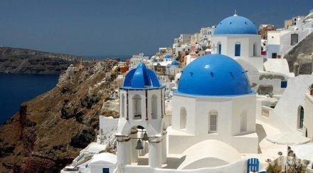 ШИРОКИ ПРЪСТИ: Туристите в Гърция харчат повече