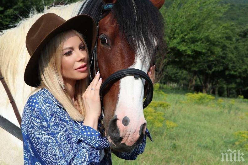 Емилия загуби скъп човек - прости се с учителя си по музика