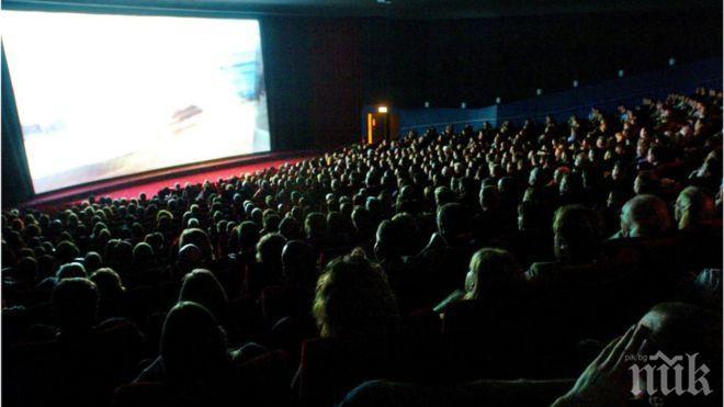 Гледането на филми набръчква лицето, най-опасни са комедиите