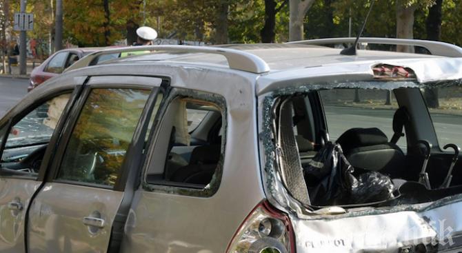 ЛУДОСТ: Пловдивчанин изпотроши паркирани коли