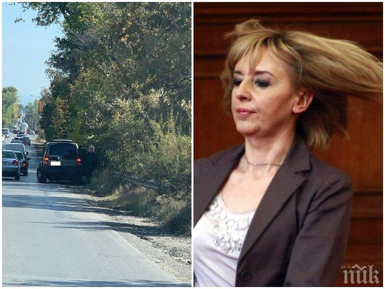 ПЪРВО В ПИК: Мая Манолова катастрофира отново - крие се на задната седалка след удар в София (СНИМКИ)