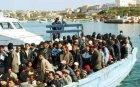 Гърция мести 700 мигранти от остров Самос