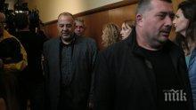 Водят новия кмет на Несебър под конвой да положи клетва