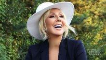 Лепа Брена стана двойничка на Лейди Гага (СНИМКИ)