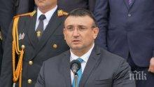 Младен Маринов се пребори за полицаите - ето с колко скачат заплатите им и нощния труд