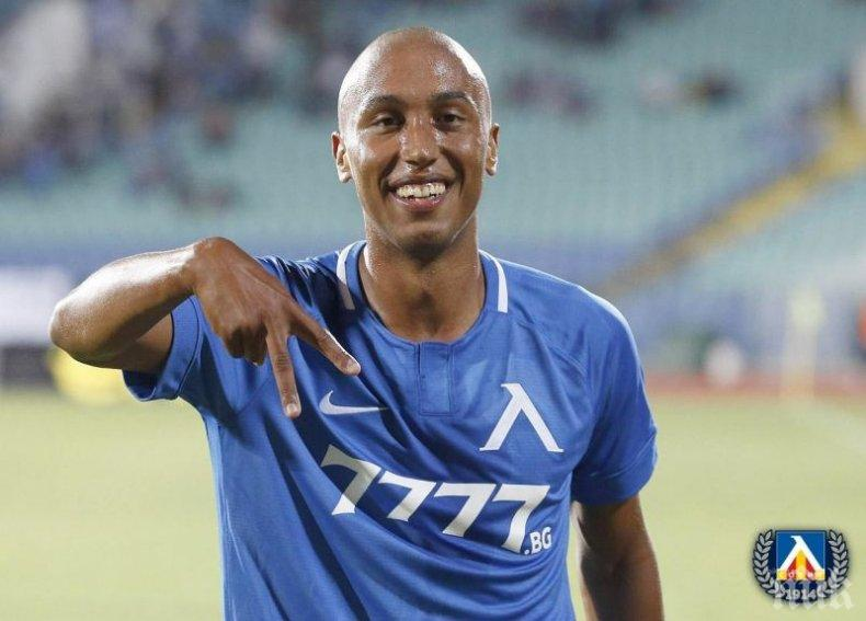 Крило на Левски е трансферна цел на арабски клубове