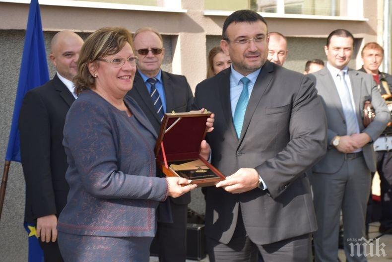 Министър Маринов откри реновираната сграда на РПУ Ловеч (СНИМКИ)