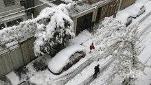 СТИХИЯ: Сняг затрупа Техеран
