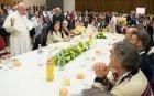 Папа Франциск даде обяд за 1500 бедни