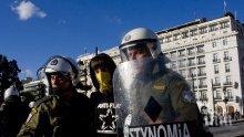 Масови арести след безредици в Атина