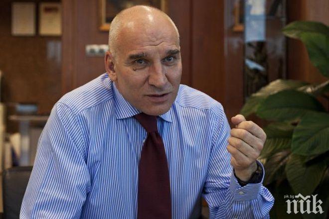 Левон Хампарцумян обясни защо отново поскъпват банковите такси