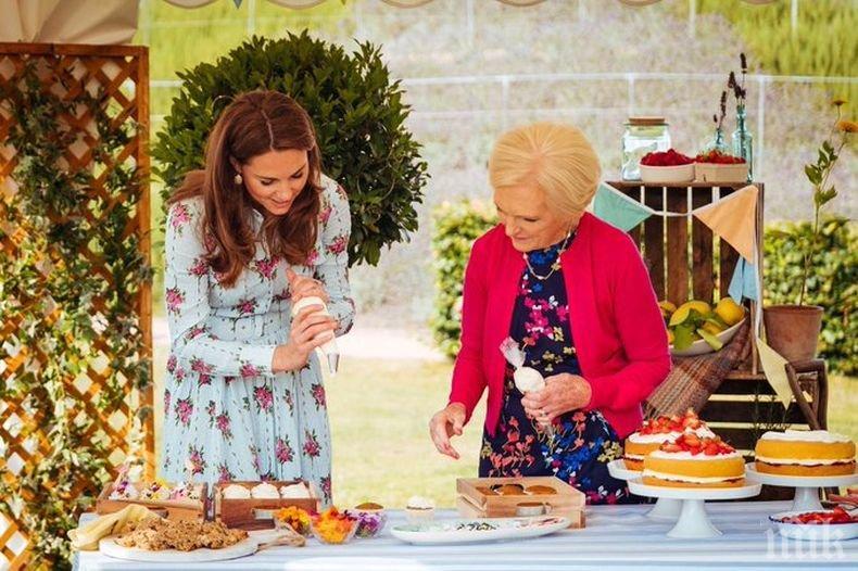 Кейт и Уилям готвят коледни сладкиши в ТВ шоу