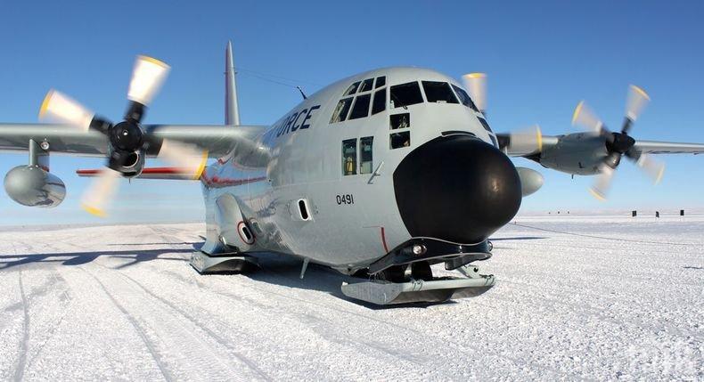 Откриха отломки от изчезналия военен самолет в Чили