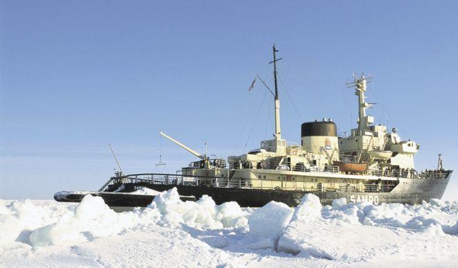 Русия приключи първото изпитание на най-мощния си ледоразбивач
