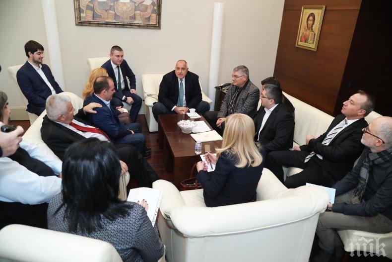 ПЪРВО В ПИК TV: Борисов реши проблема с превозвачите, протести няма да има (ОБНОВЕНА)