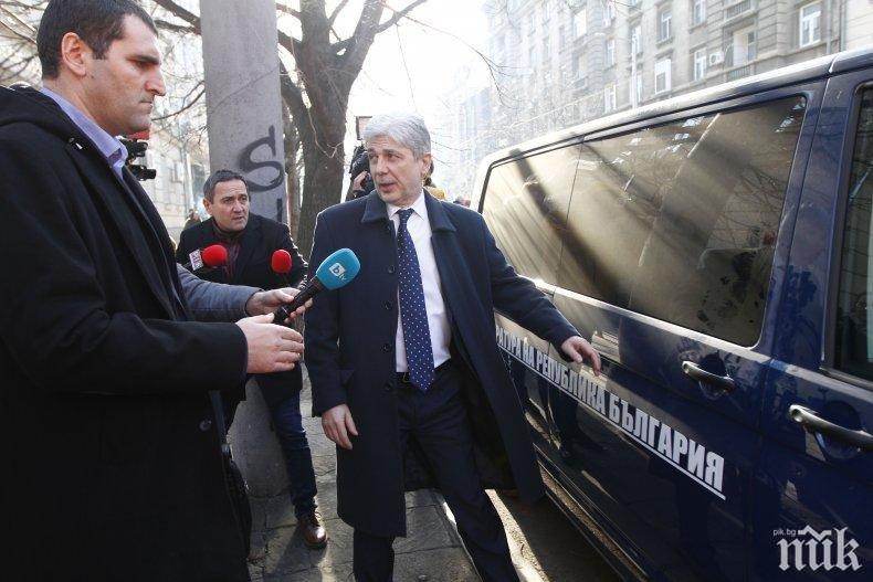 """Недялко Недялков: Не може Нено да опере пешкира за всички. А босовете? А имунитета на Елена Йончева? А крадците от """"Позитано""""?"""