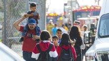 ШОК: Самолет изхвърли гориво над училище в Лос Анджелис, 44 души пострадаха (ВИДЕО)