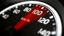 Хванаха шофьор да лети със 129 км/ч в населено място
