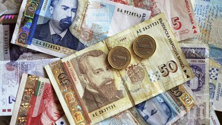 Намалява броя на ощетените от забавени заплати