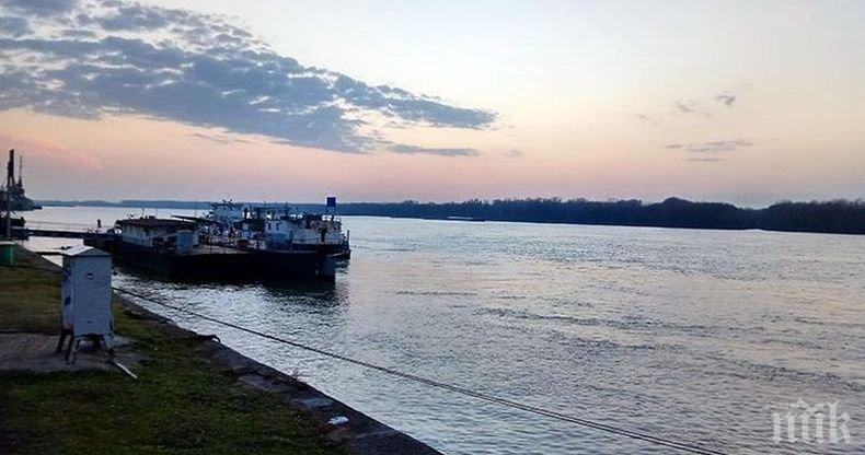 Кмет алармира за рушаща се дига на река Дунав