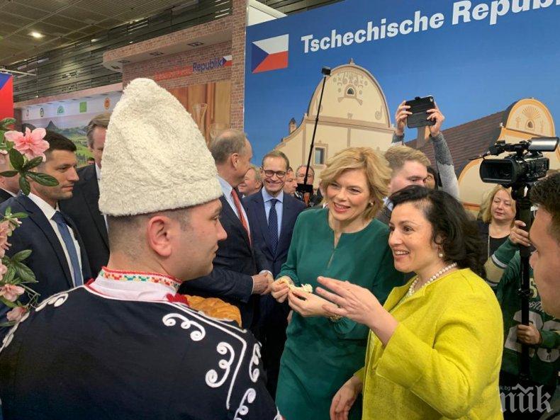 Министър Танева от Берлин: Основен акцент са малките и средни стопанства (СНИМКИ)