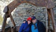 Бащата на Чочо Попйорданов на романтична ваканция във Велинград (СНИМКИ)