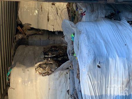 Проверяват склад с тонове отпадъци край Стара Загора