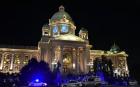 Мъж се самоуби пред парламента в Сърбия