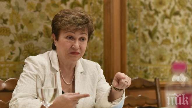 Кристалина Георгиева спира да цитира Пушкин и Толстой по световни форуми, за да не я обвинят в специално отношение към Русия