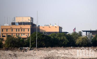 Четири реактивни снаряда се взривиха до американското посолство в Багдад