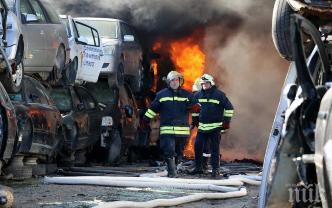 Прокуратурата се сезира за овъглените в Хасково коли