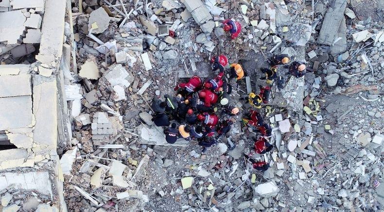 Девет души са спасени изпод развалините след земетресението в Източна Турция
